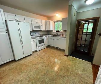 565 Hillcliff, Oakland County, MI