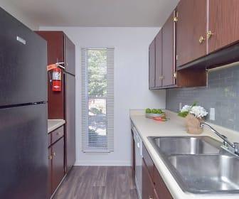 Kitchen, River Ridge Apartments