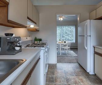 Kitchen, Emerald Springs