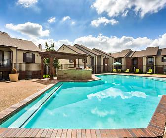 Pool, Park West