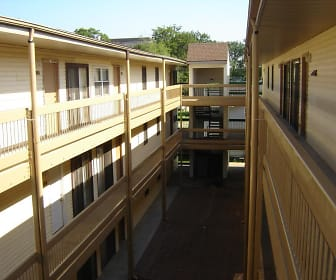 Courtyard, Royal Heights Apartments