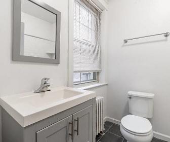 Bathroom, 4618 Chester Ave