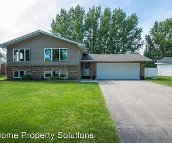 2101 7th Ave NW, Grand Forks, ND