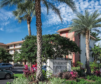 Apartments at Crystal Lake, Collier Manor-Cresthaven, FL