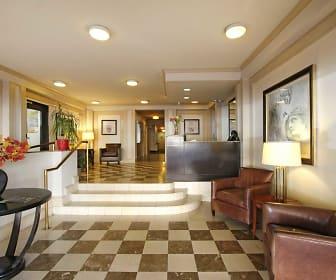 Lobby, 2424 Penn
