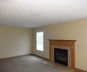 452 Crestmoore Drive, Logan Elm, OH