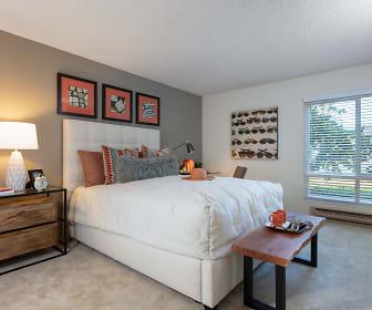 Oak Creek Apartments, 94304, CA