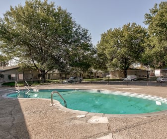 Pool, Parkwood Square