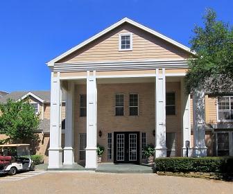 Building, Woodlake Oaks