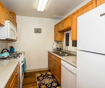 Kitchen, Bella Vista Townhomes