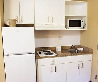 Kitchen, Furnished Studio - Chesapeake - Churchland Blvd.