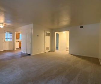 Living Room, Great Bridge Apartments