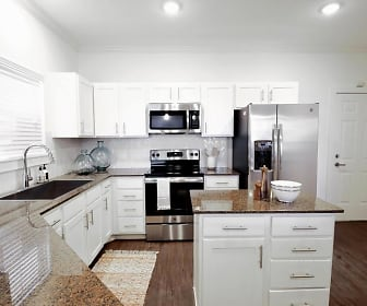 Kitchen, The Courts of Bent Tree Townhomes