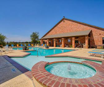 Pool, Preserve at Prairie Pointe