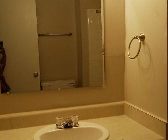 Bathroom, Parc @ Sixteen35