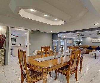Dining Room, 4116 NE Sunset Drive