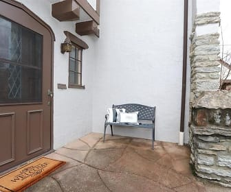 Front Porch.jpg, 2956 Linwood Ave