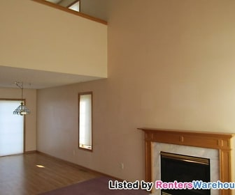 304 Creekside Dr, Annandale, MN