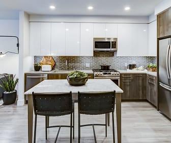 Kitchen, Novo