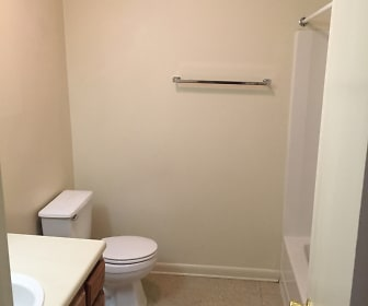 Bathroom, Tanglewood Apartments