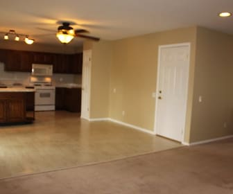 430 Paula Vale Ct., Augusta, MO