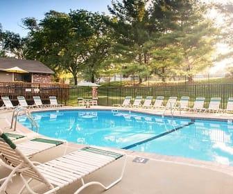 Pool, Spring Tree by Broadmoor