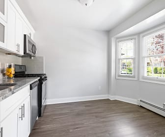 Eagle Rock Apartments At Woodbury, Plainview, NY
