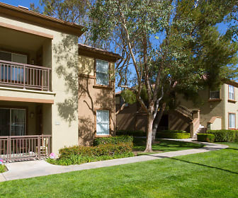 The Oaks Apartments, Canyon Country, CA