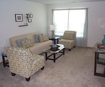 Village Glen Apartments & Townhomes, 49686, MI