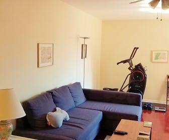 Living Room, 37-51 86th St