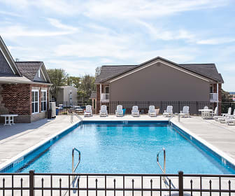 Pool, Columbia Bluffs Luxury Apartments