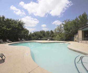 Pool, Stonebrook
