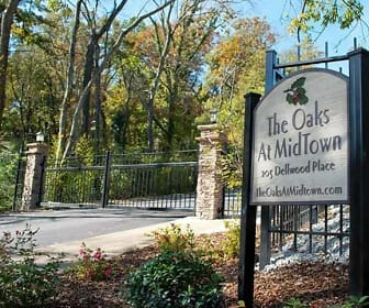 Community Signage, The Oaks At Midtown