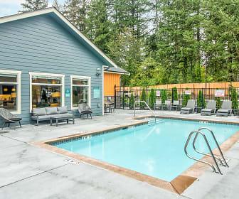 Pool, Wellstone at Bridgeport
