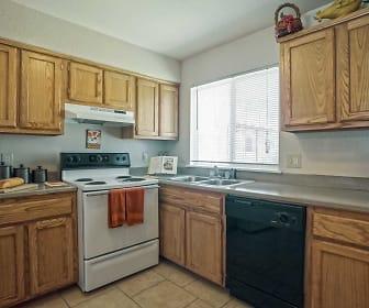 Kitchen, Bandon Trails