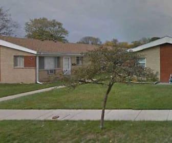 Division Falls Apartments, Elmhurst College, IL