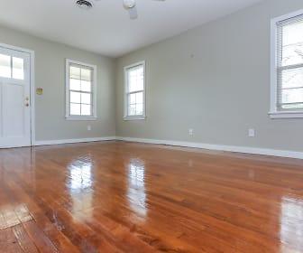 3 Living Room.jpg, 401 E 7th St