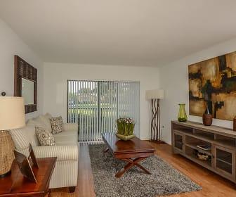 Living Room, Del Oro
