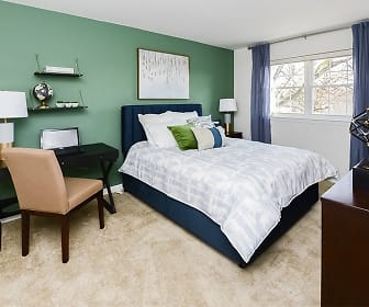 Bedroom, Sherry Lake Apartments