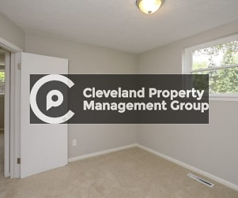 2502 Noble Rd Apt 1, Cleveland Heights, OH