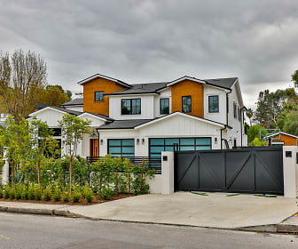 5053 Vanalden Ave, Canyon Country, CA