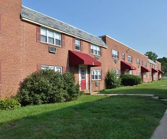 Penn Weldy Apartments, Springfield Township Middle School, Oreland, PA