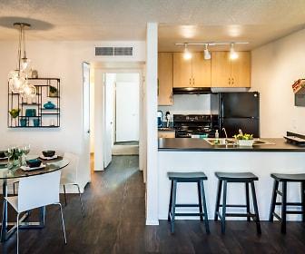 Kitchen, Plaza 550