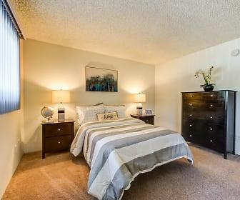 The Newporter Apartments, Tarzana, CA
