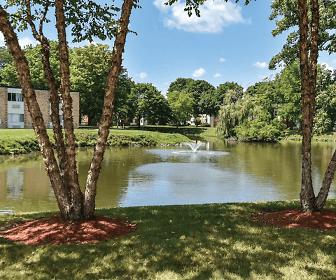 Harbor Lake Apartments, Waukegan, IL