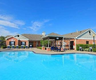 Pool, The Retreat at Texas City