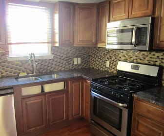 797 Bower Hill Rd, Bridgeville, PA