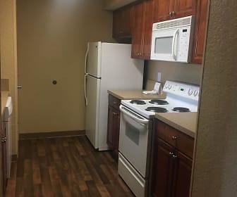 Kitchen, Furnished Studio - Jacksonville - Deerwood Park