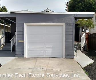 5910 Huntington Ave, Fred T Korematsu Middle School, El Cerrito, CA