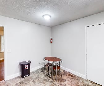 Room for Rent -  a 5 minute walk to bus stop S Hai, Stone Mountain, GA
